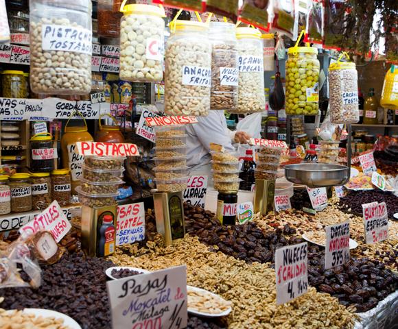 Markt Málaga - verse noten in de markthal
