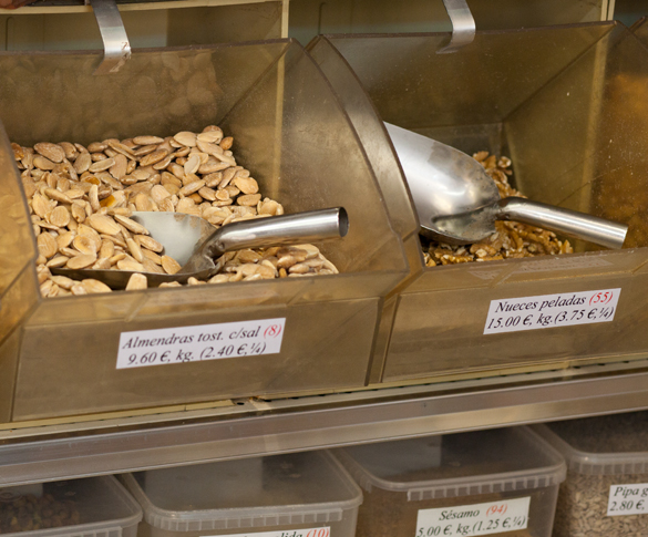 Aperitivos Zali Málaga – noten- en snoepwinkel