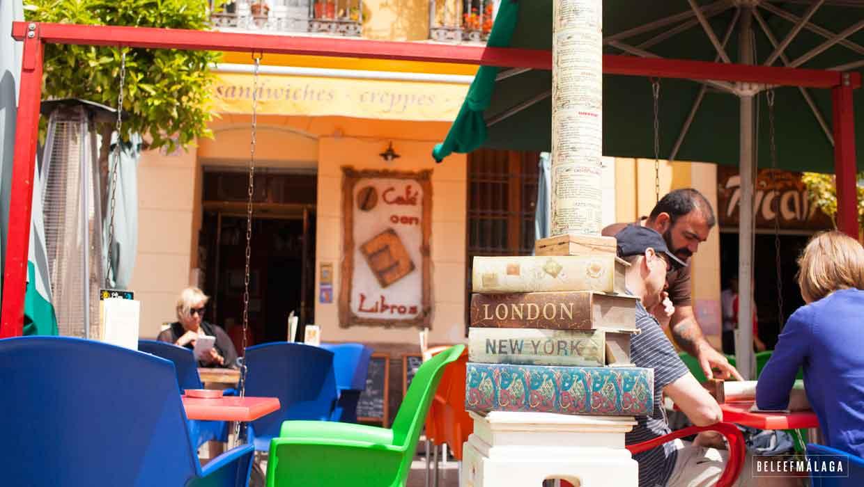 Café con libros leuk terras in málaga centrum u beleef malaga