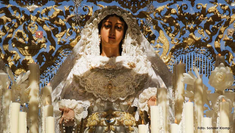 De kroning van de Maagd van El Rocío